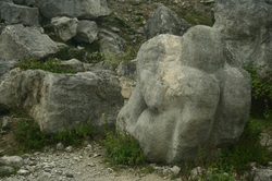Stone carving at Tout Quarry